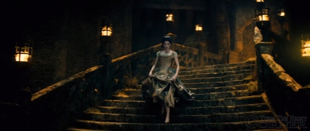 into-the-woods-movie-screenshot-anna-kendrick-cinderella-dress